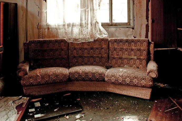 Мебели за изхвърляне до депо